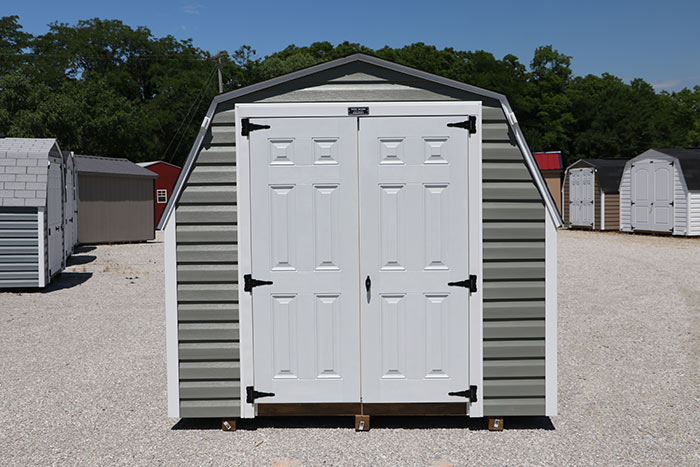 Martin-mini-barns-iowa-vinyl-standard-barn-1