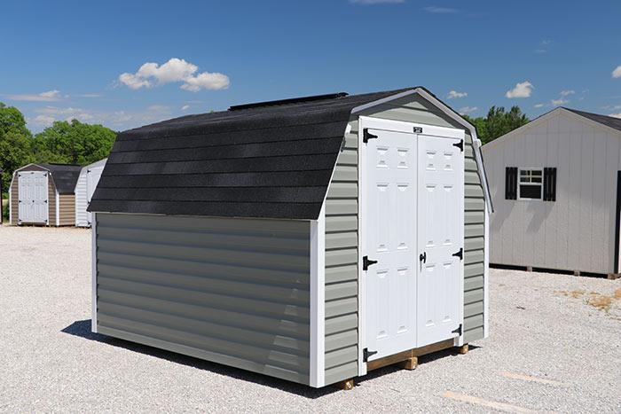 Martin-mini-barns-iowa-vinyl-standard-barn-2